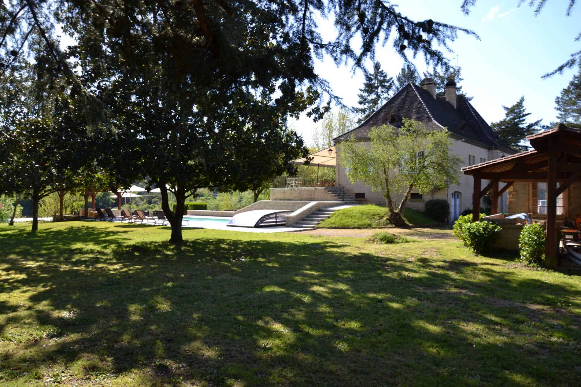 La noyeraie du port d'enveaux, chambres d'hôtes Dordogne avec piscine.