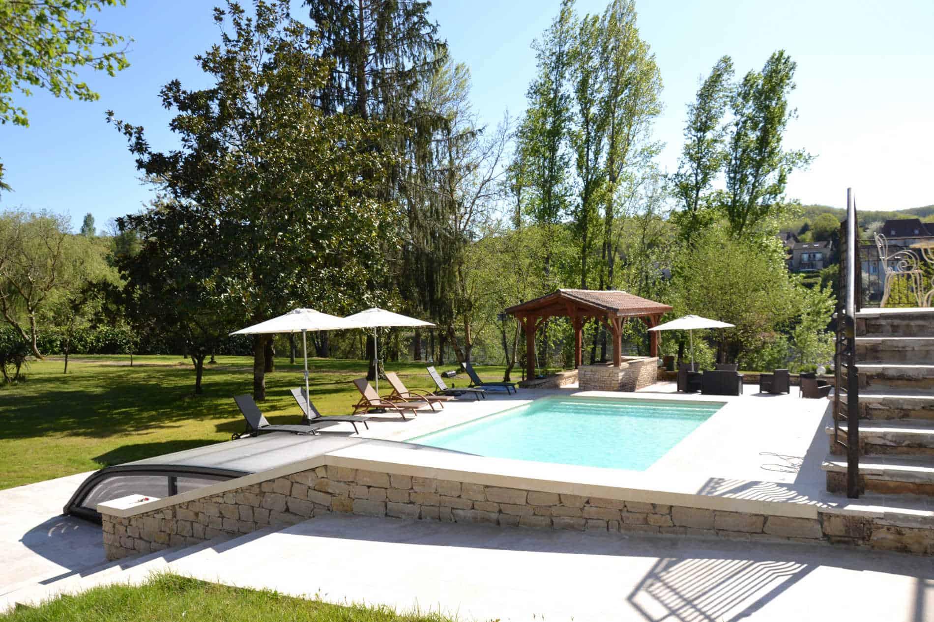 port d'enveaux / chambres d'hôtes Dordogne avec piscine.
