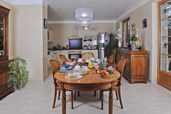 Petit dejeuner chambres de charme bord de rivière Beynac