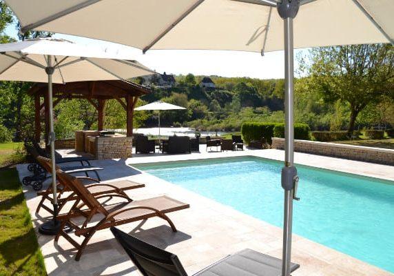 chambres d'hôtes Dordogne avec piscine en bord de rivière
